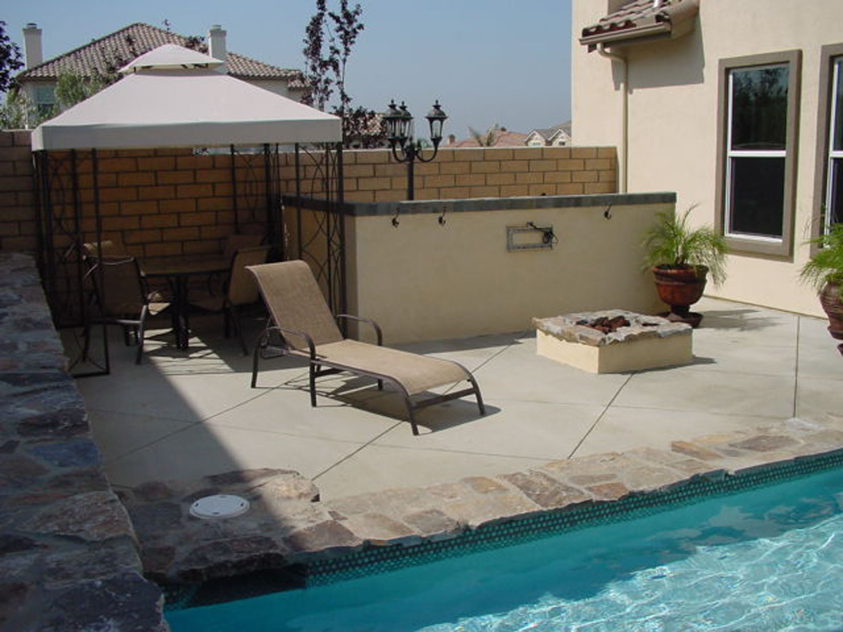 Bbq 39 s firepits how to build your own pool how to build for Build your own pool